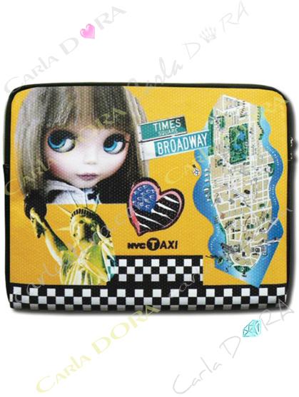 pochette ipad poupee taxi americain couleur jaune, pochette de protection pour tablette samsung tab taxi usa