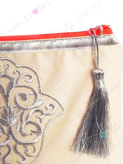 pochette femme grande pochette main de fatma blanc casse ecru brodee argent zip orange fluo grand format