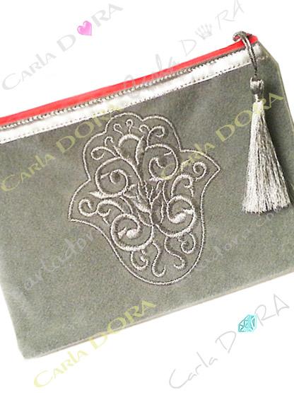 pochette femme main de fatma gris perle brodee fil argent zip orange fluo, petite pochette pour femme mode