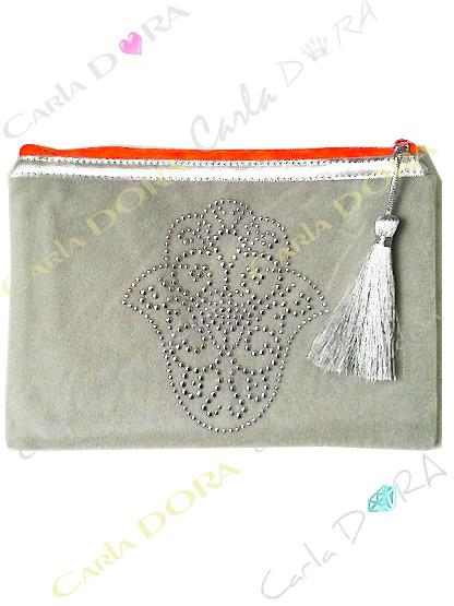 pochette femme main de fatma gris perle cloutee argent zip orange fluo, petite pochette pour femme mode