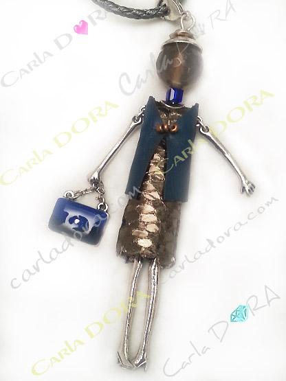 collier poupee articulee mannequin a la mode, bijou fantaisie sautoir poupee mode escarpins