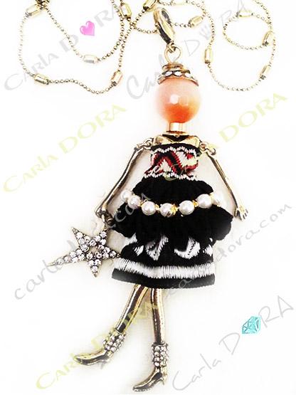 sautoir poupee articulee collier fashion  mannequin de mode, sautoir poupee bottines strass