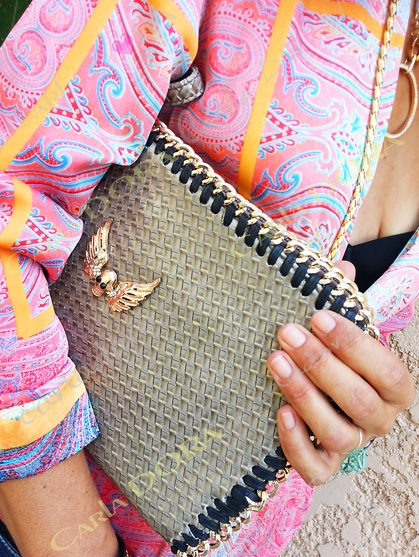 sac a main pochette femme tete de mort cloute dore chaine doree, sac femme simili cuir tresse