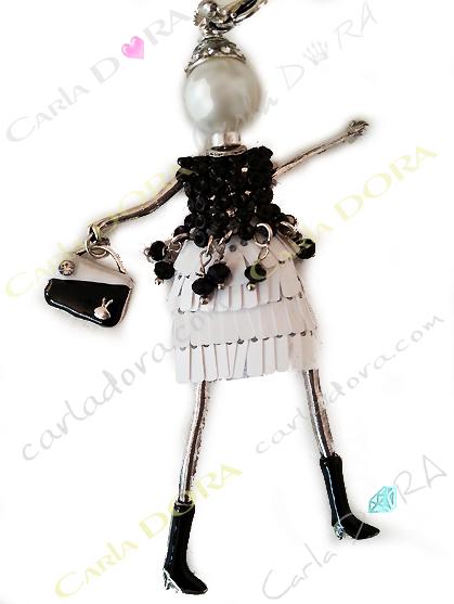 sautoir collier fantaisie poupee noire et blanche, collier sautoir poupee tendance