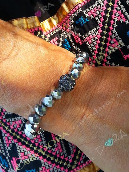 bracelet femme argente anthracite elastique, bracelet perles et shamballa femme mode