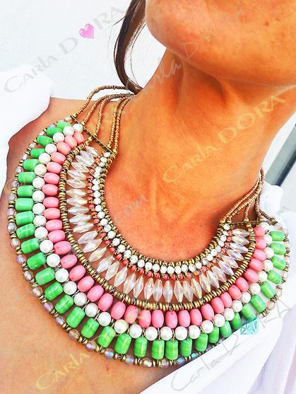 collier ras du cou ethnique perles et strass, collier vert et corail