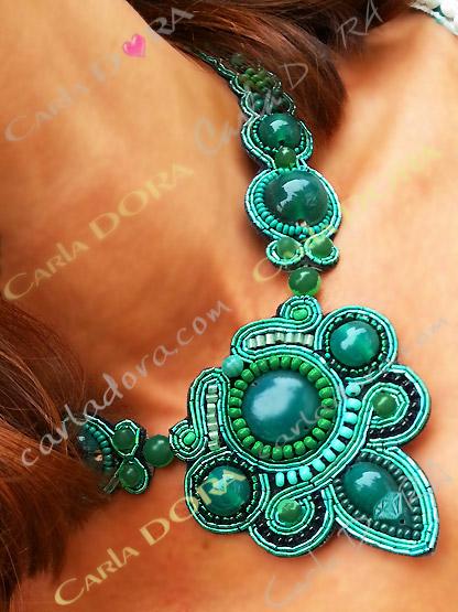 collier fantaisie bresilien vert emeraude