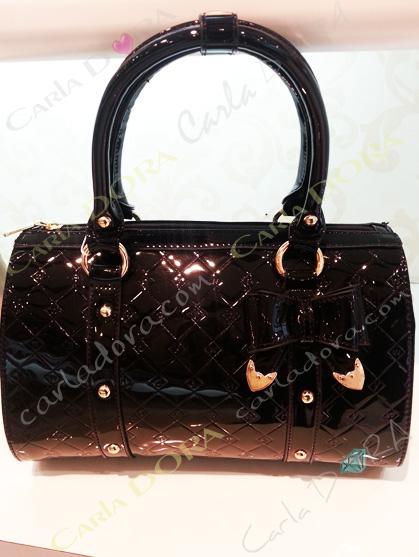 sac a main pour femme tendance chic noir brillant en simili cuir