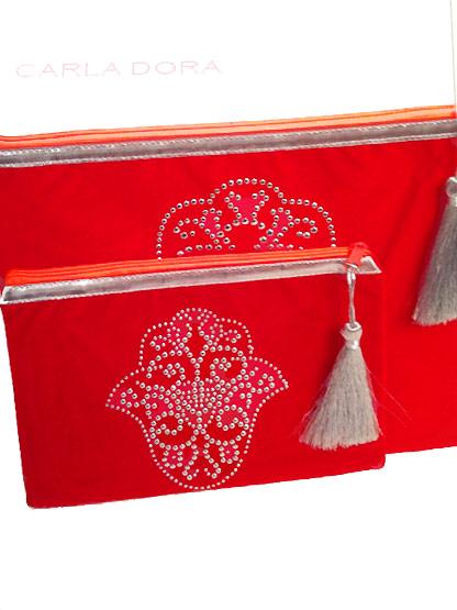 pochette femme main de fatma rouge cloutee argent zip fluo grand format, pochette femme mode