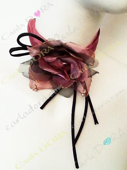 collier ras du cou fleur organza rose, collier romantique soiree mariage ceremonie