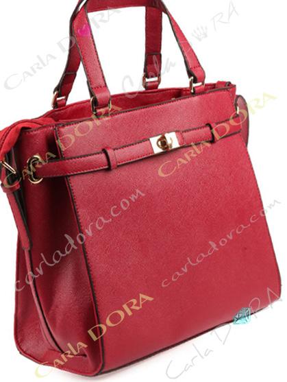 sac main rouge cuir texture pour femme chic
