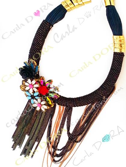 collier fantaisie de soiree fleurs et chainettes en cascade et pendeloques