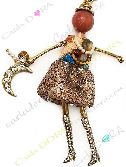 bijou collier sautoir poupee chic jupe paillettes, collier sautoir poupee a la mode