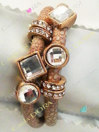 bracelet fantaisie cuir 2 tours couleur camel avec cabochons strass blancs, bracelet fantaisie marron camel