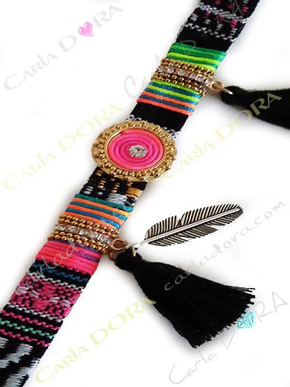 bracelet bresilien tissage noir et fluo pompon plume, bijoux bracelet fermoir aimant