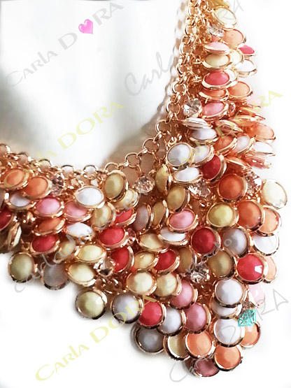bijoux fantaisie collier pampilles pastels et strass, collier fantaisie femme couleur pastel