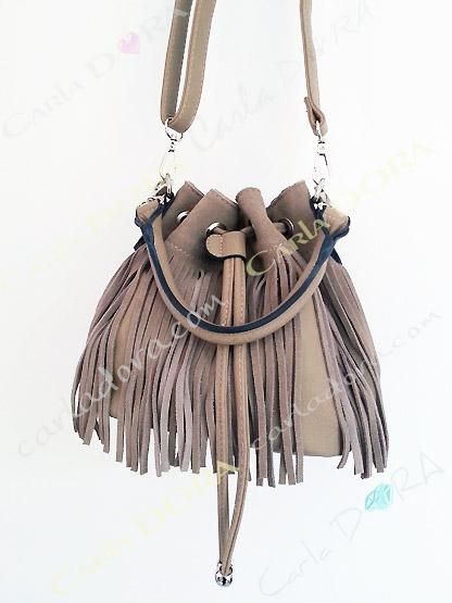 petit sac femme bourse daim beige camel a franges, sac main femme a franges hippie chic