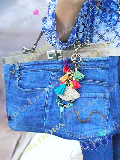 sac femme original en jean bleu souple et cuir, sac a main original femme