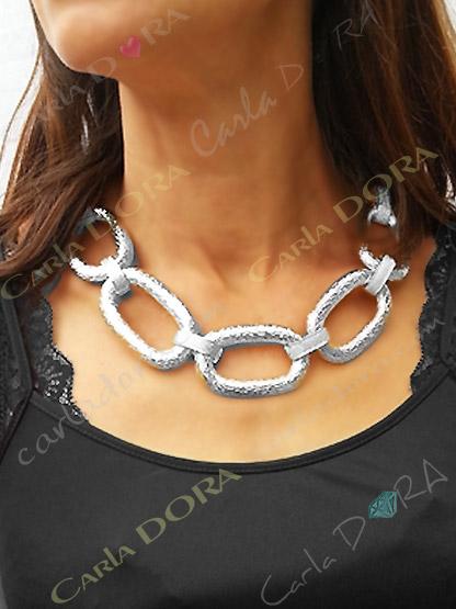 collier fantaisie gros anneaux argent entrelaces, collier anneaux argentes