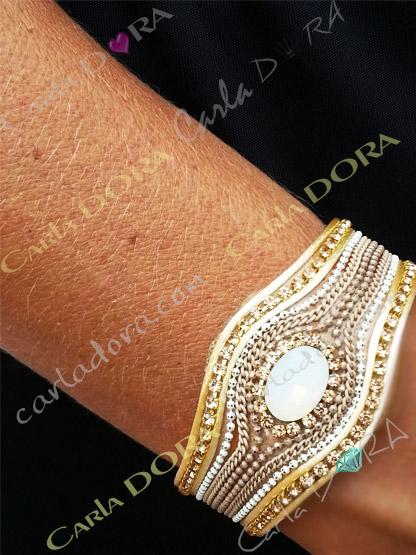 bracelet femme manchette aimantee beige cabochon et strass, bracelet fermeture aimant