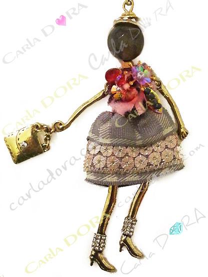 robe de fete a paillettes sur sautoir poupee