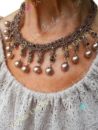 collier ras du cou perles de culture couleur marron glace cristal multicolores et chainettes bronze - bijou femme crista