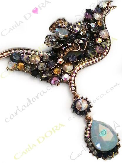 bijou femme cristal elegant et chic, collier fantaisie femme ultra chic cabochons et strass cristal