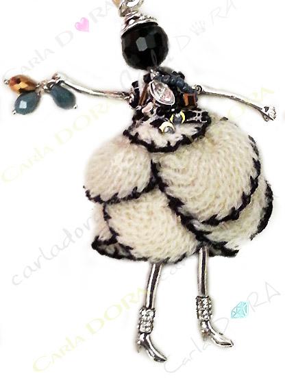 collier sautoir poupee articulee tenue de fete, collier sautoir poupee pour les fetes