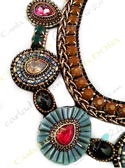 collier fantaisie femme ultra chic cabochons perles et strass