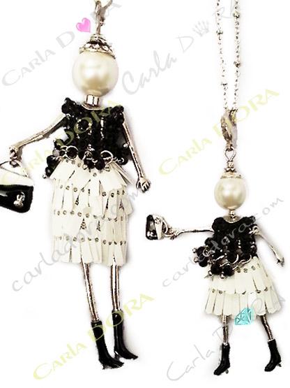 sautoir mini poupee articulee perle de culture, poupee miniature bijou santoir