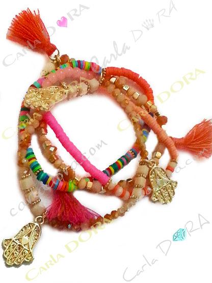 bracelet fantaisie gypsy multicolore pompons et main de fatma doree