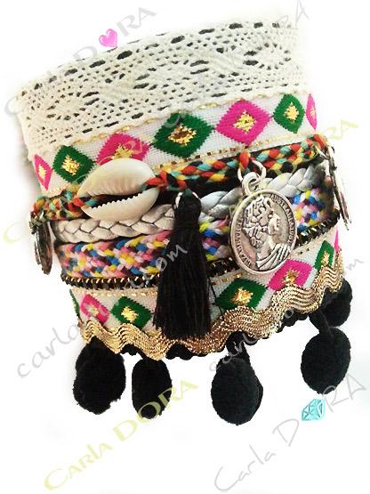 bracelet fantaisie large hippie chic pompons