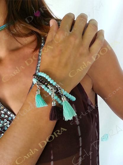 bracelet elastique cristal perles et pompon, bracelet fantaisie femme elastique  perles cristal a facettes