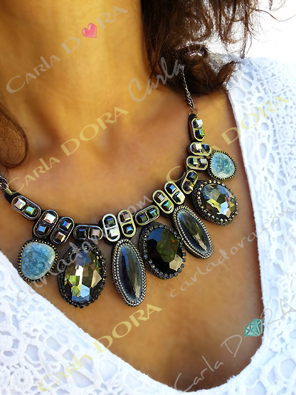 collier fantaisie femme ultra chic cabochons
