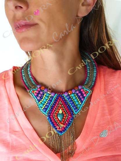 collier plastron femme fantaisie multicolore, collier fantaisie plastron chaines,perles et cabochons
