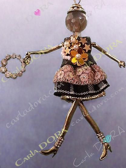 poupee bijou chic poupee tartan collier sautoir paillettes, poupee collier sautoir ultra chic