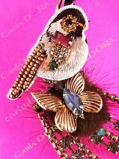 collier fantaisie oiseau papillon ultra chic cabochons perles et strass