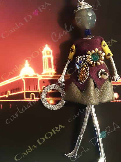 collier sautoir poupee petites manches  etoiles charms fashion