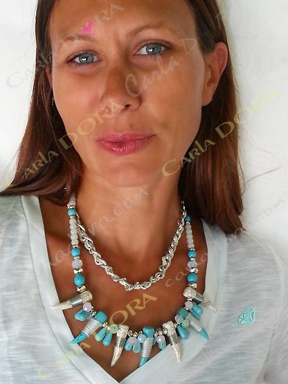 collier ras du cou bleu turquoise et blanc double rang, collier fantaisie 2 rangs chaine argent