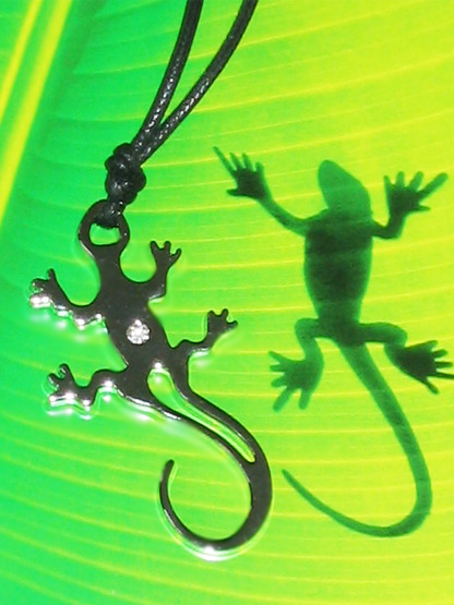 bijoux fantaisie pendentif animaux lezard salamandre argente metal brillant strass blanc