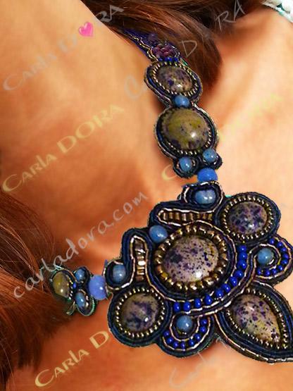 collier ras de cou fantaisie bleu gris