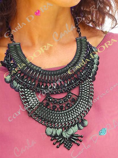 collier plastron noir femme chic, collier fantaisie plastron metal noir ultra chic