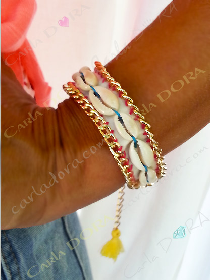 bracelet fantaisie coquillage hippie chic pompon fluo