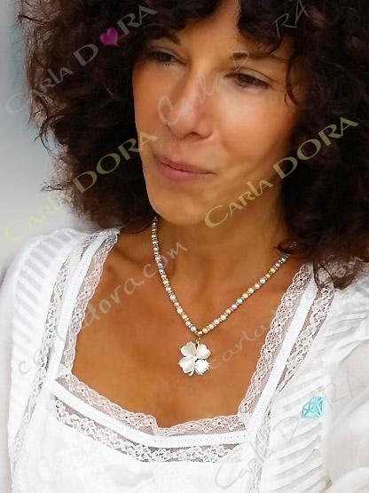 ras de cou fantaisie trefle nacre perle de culture, collier fantaisie femme couleur pastel