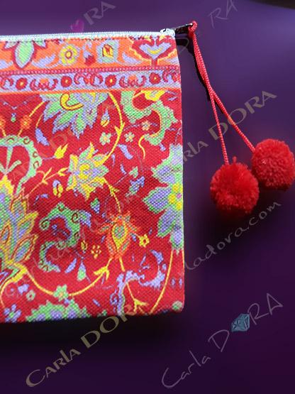 pochette femme imprimee multicolore pompons, petite pochette pour femme mode
