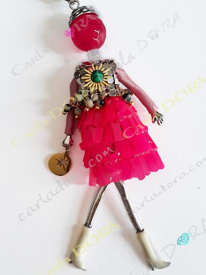 collier fantaisie charm poupee sautoir rose fluo fashion, collier sautoir poupee fluo a la mode