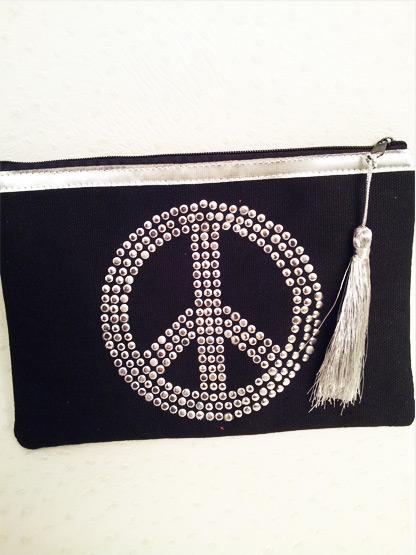 pochette femme peace and love tissu noire argent, pochette noire pour femme