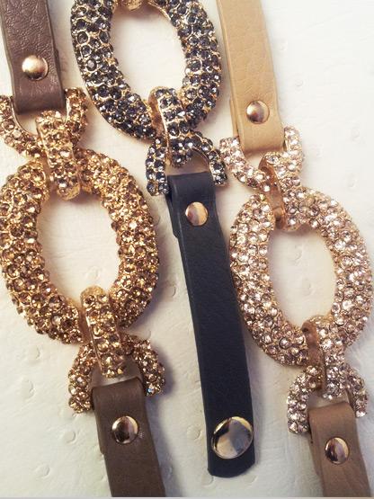 bracelet femme en cuir avec strass couleur taupe bracelet mode femme
