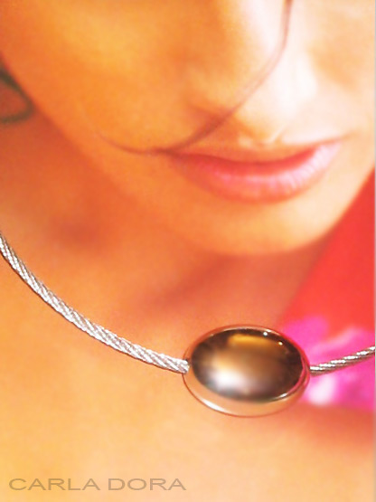 collier fantaisie ras du cou rigide argente, bijoux ras de cou femme elegante