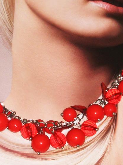 bijoux fantaisie femme collier rouge cerise pampilles